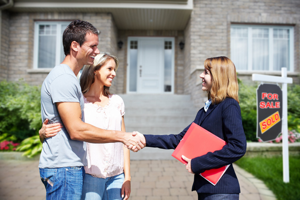 realtor with clients